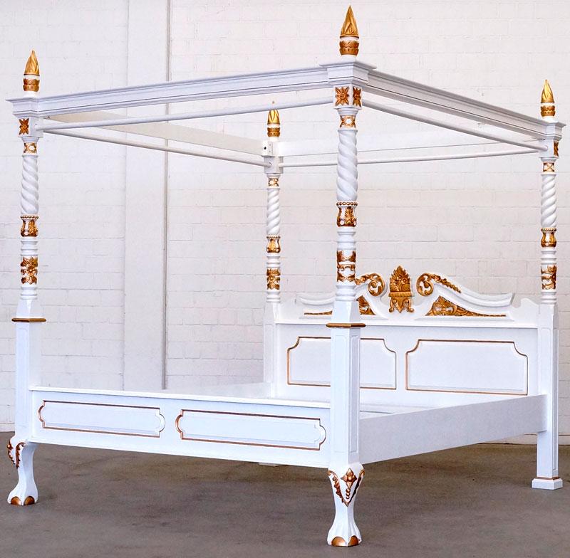 massivholz himmelbett wei gold moreko gmbh. Black Bedroom Furniture Sets. Home Design Ideas