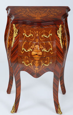 Petite marquetry Commode